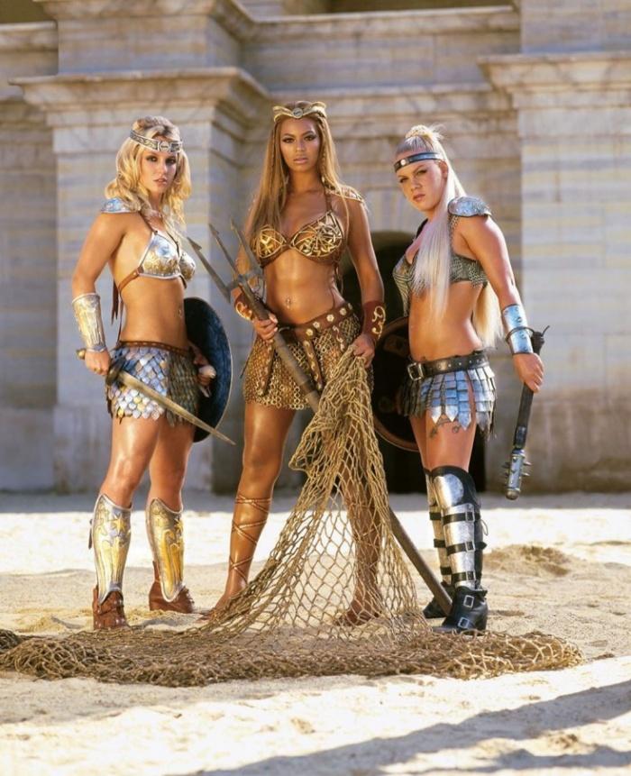 Бритни Спирс, Бейонсе и Пинк в рекламе Пепси, 2004 год.