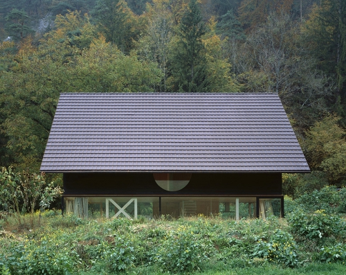 Деревянный домик в Швейцарии