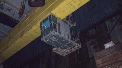 Подъемный кран в турбинном зале четвертого блока