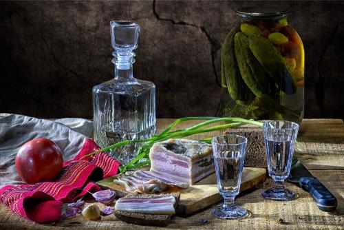 Ностальгические натюрморты с водкой