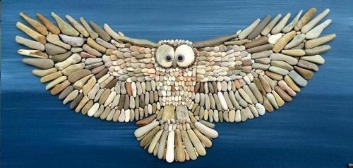 Мозаики из пляжных камушков.