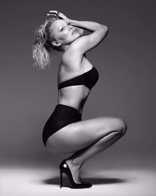 Памела Андерсон снялась в рекламе нижнего белья