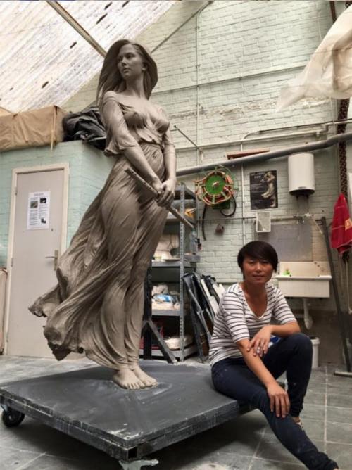 Гиперреалистичная статуя