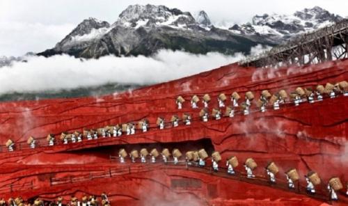 Сезонный сбор зеленого чая, Юньнань, КНР.