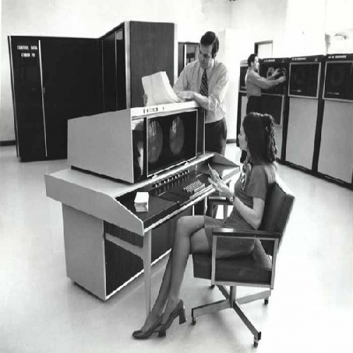 Компьютеры и оргтехника - 13 ретро фото